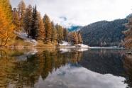 秋季山水湖泊風景圖片