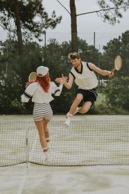 打網球的情侶圖片